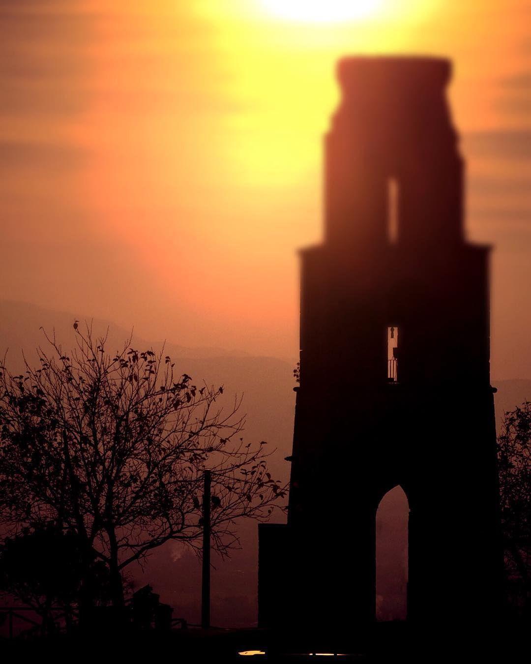 #sketch #campanile #sunset #silhouette #evening #redsky #nikon #nikond90 #nikonitalia