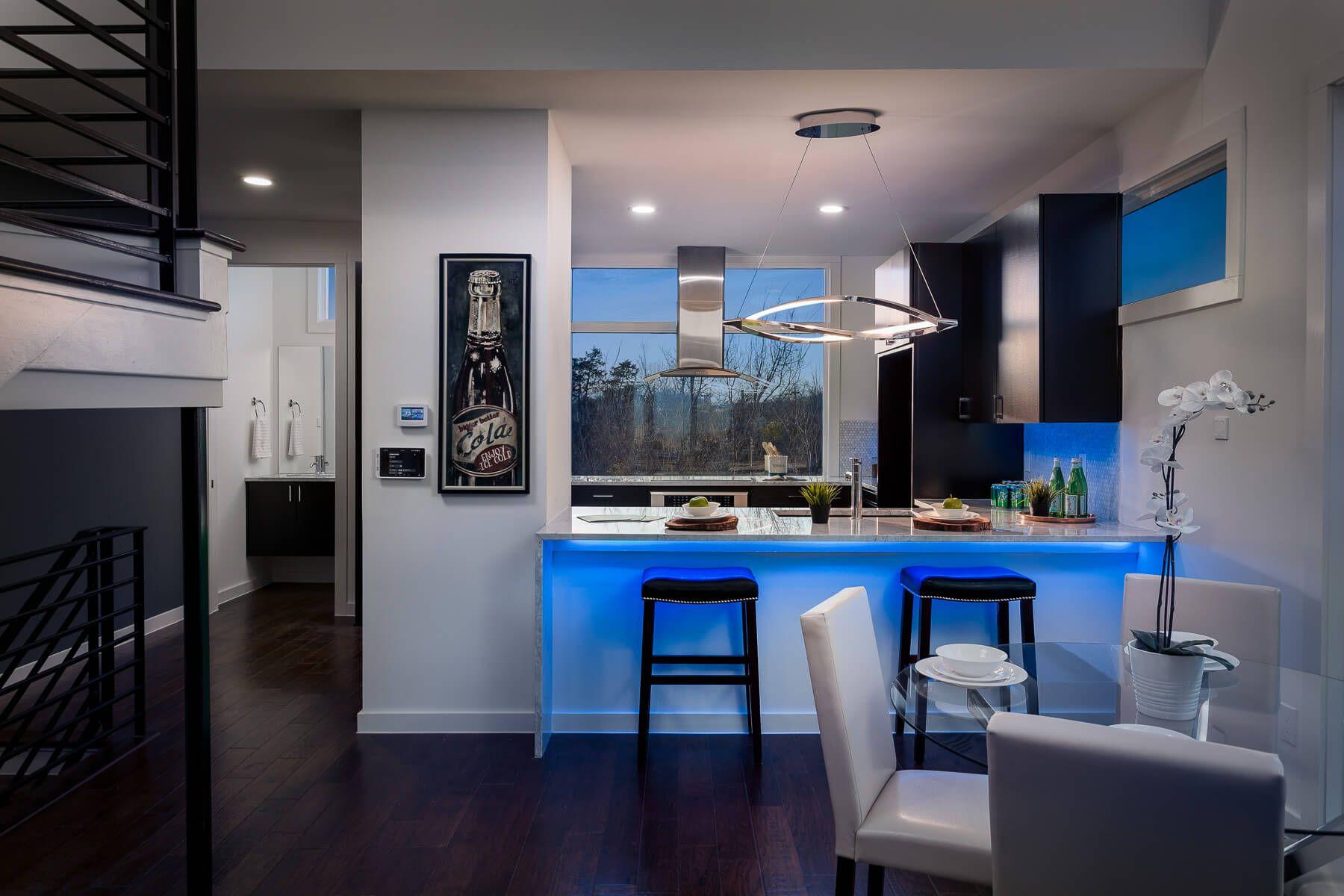 Lichtsteuerung Mit Loxone Atemberaubende Beleuchtung Luxus Kuche Design Kuchen Inspiration Smart Kitchen