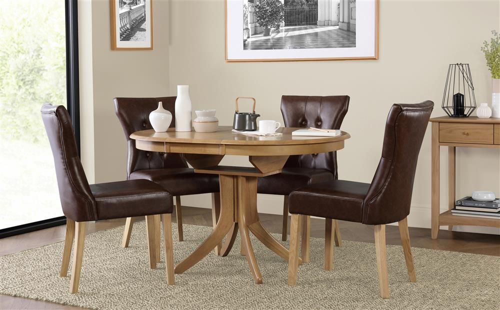 Hudson Round Oak Extending Dining Table With 4 Bewley Club Brown