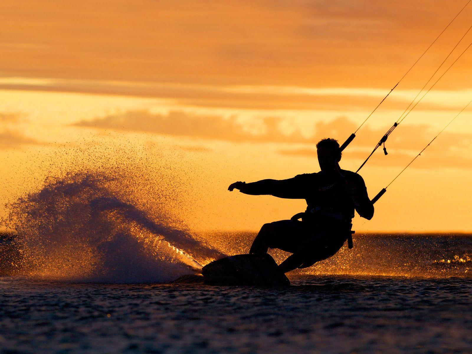 Kitesurfing wallpaper