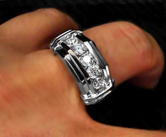 Choosing Mens Diamond Ring To Complement Diamond Bracelet