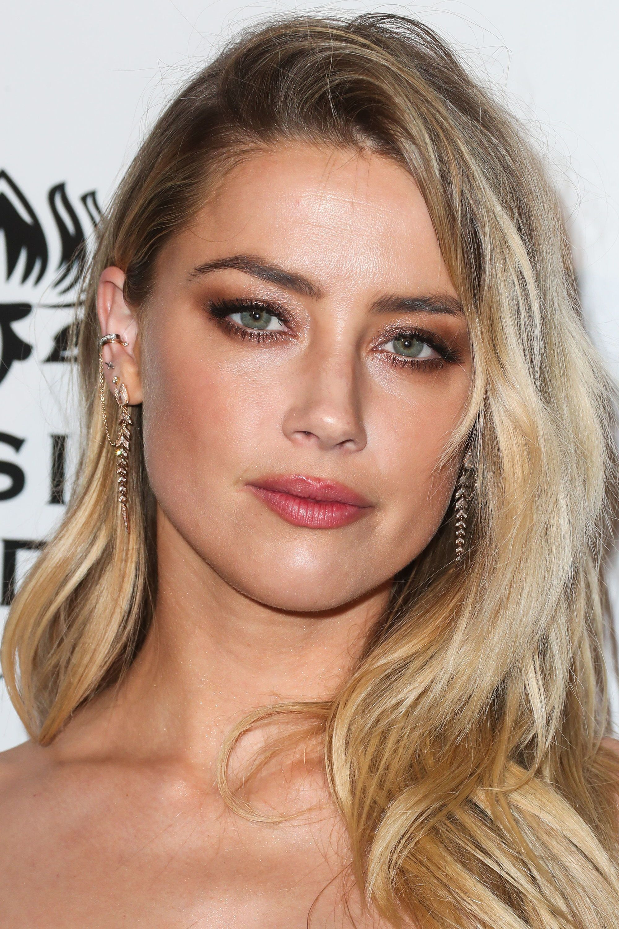 Amber Heard Before And After In 2020 Amber Heard Hair Amber Heard Makeup Amber Heard Style