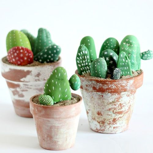 Painted Cactus Rocks - Here's a great little craft to keep the kids entertained and use their creativity.