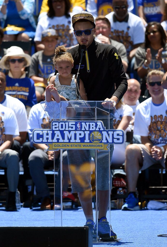5f3954eaabc4 Stephen and Riley Curry at the Warrior Championship Parade!