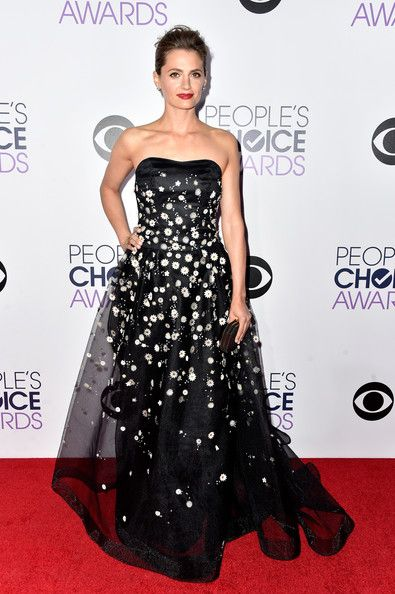 Actres Stana Katic attends The 41st Annual People's Choice Awards at Nokia Theatre LA Live on January 7, 2015 in Los Angeles, California.