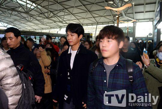 [TD포토] 박보검 '보검복지부 따르는 수 많은 팬들 이끌고 출국'
