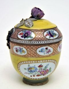 The Bowes Museum: Jar and cover, c.1790