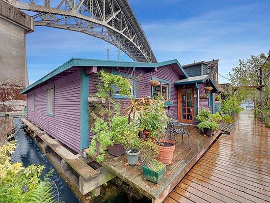 561 000 Houseboat 2770 Westlake Ave N Apt 5 Seattle Wa 98109 Zillow Floating House Seattle Homes House Boat