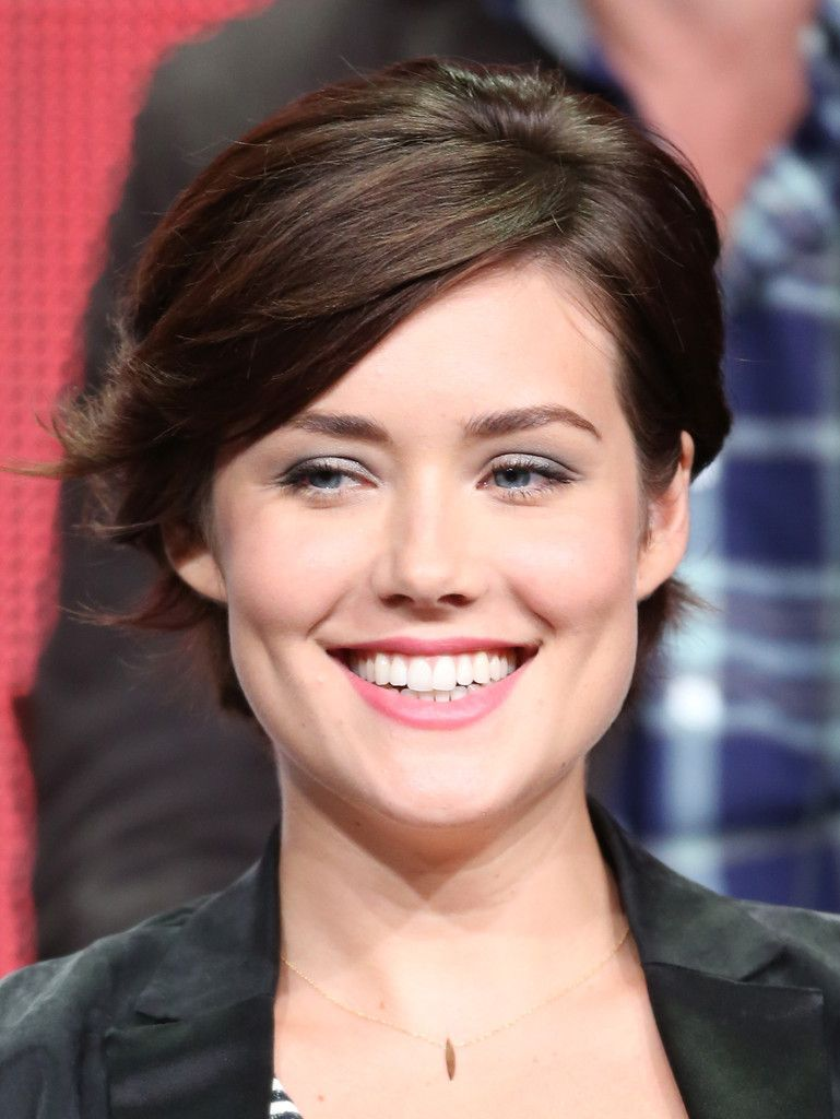 Megan Boone's Body Measurements Including Breasts, Height