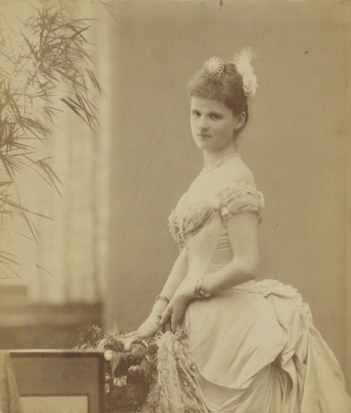 Princess Helen, Duchess of Albany (1884)She married Prince Leopold,son of queen Victoria of the United Kingdom.Their son Charles Edward was the father of princess Sibylla,later Crown princess of Sweden and mother of the current King of Sweden.