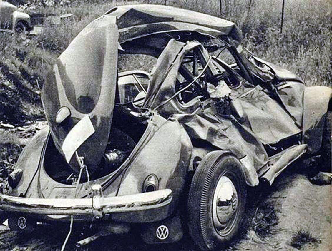 Vw Kafer Accident Old Vintage Cars Vintage Vw Car