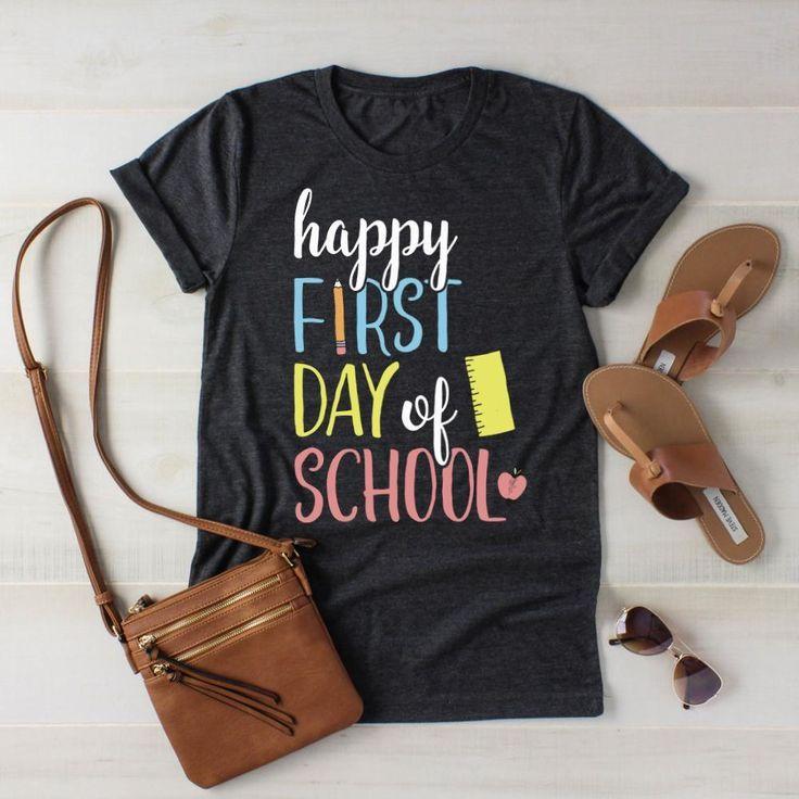 #des #Erster #glücklicher #preschool Teacher Outfit #Schulhemdes #Tag Happy First Day of School Shirt        Glücklicher erster Schultag Hemd Zurück zu Schulhemd Lehrer-Hemd Studenten-Hemd 1. Schultag Foto #firstdayofschooloutfits