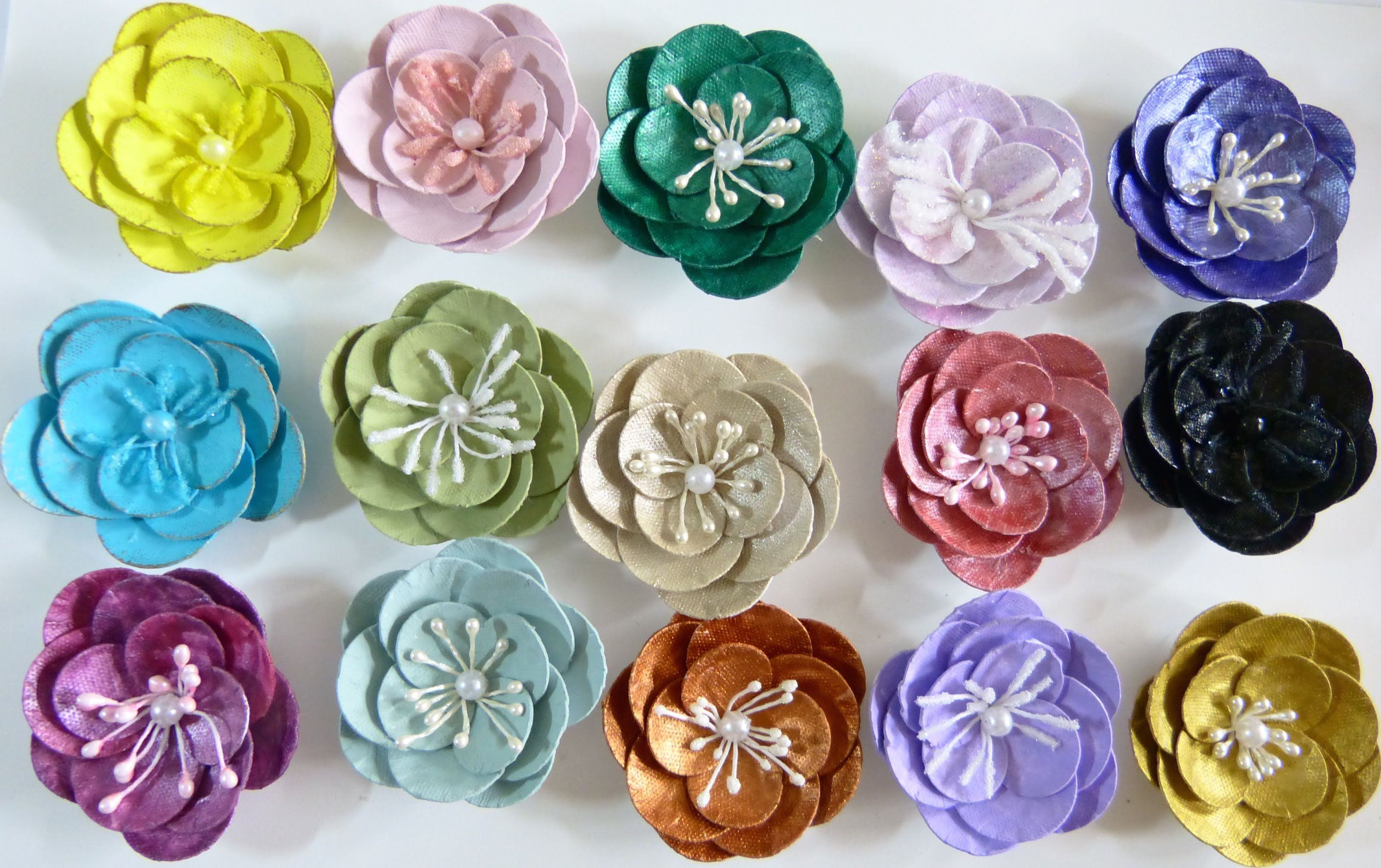 Diyeasy To Make Paper Plate Flower Tutorial By Sacrafters Flowers