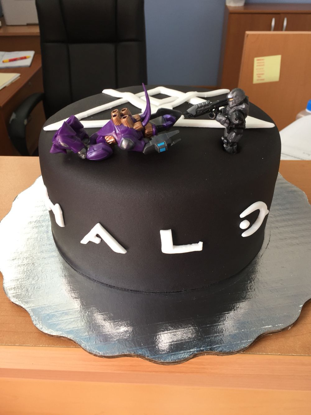 Halo birthday cake birthday cake ideas Pinterest Birthday