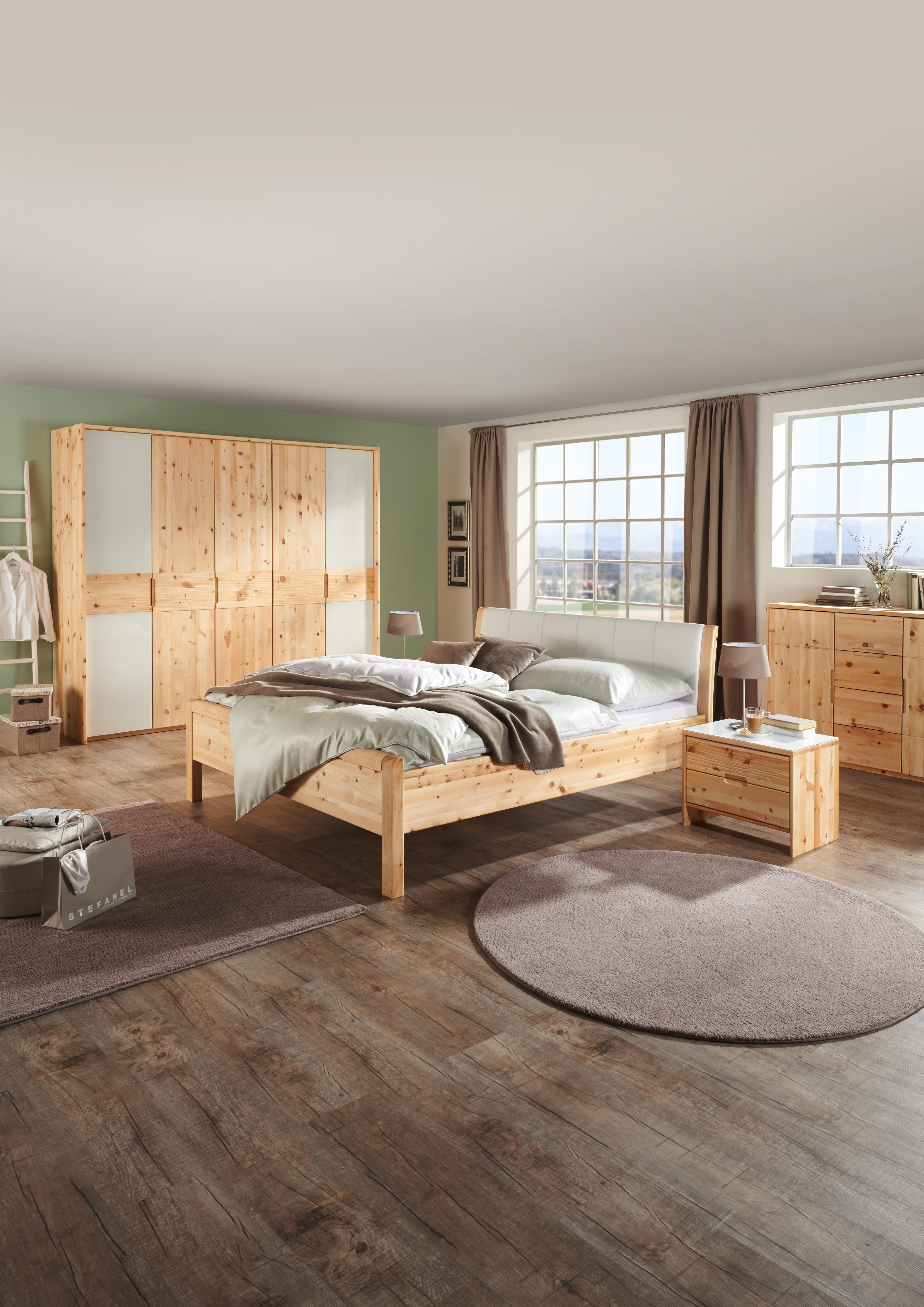 Schlafzimmer aus natürlichem ZirbenHolz Perfekt für