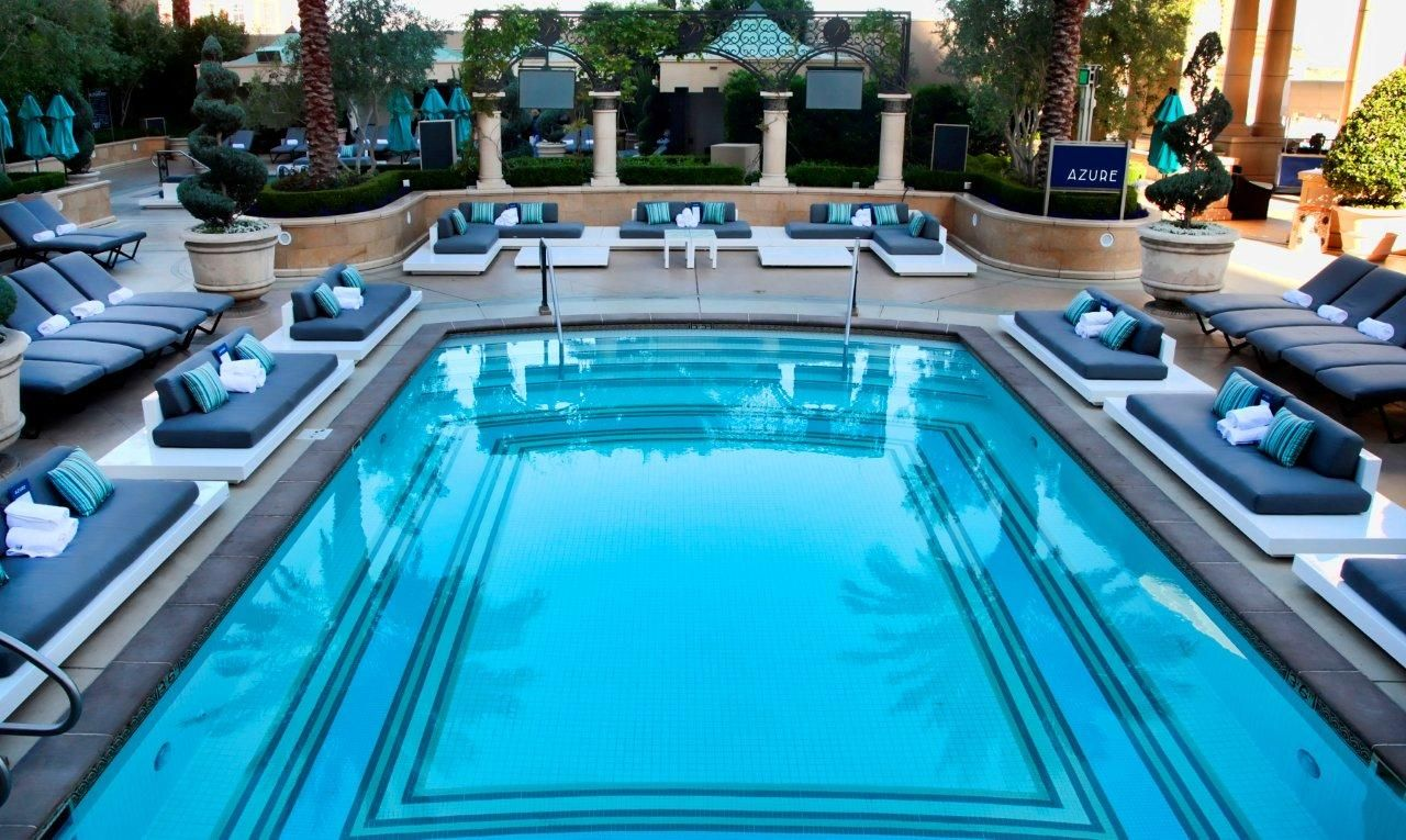 Vegas Best Pools From Dayclubs To Djs Best Pools In Vegas Palazzo Las Vegas Vegas Pools