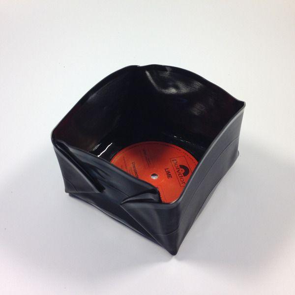 schale sch ssel aus schallplatte vinyl von platten bau marco greif auf album art. Black Bedroom Furniture Sets. Home Design Ideas