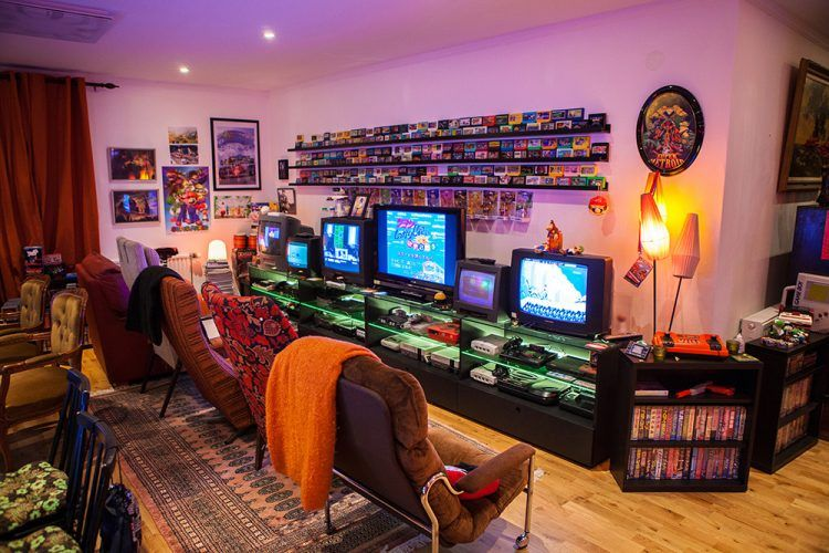 45 Video Game Room Ideas To Maximize Your Gaming Experience Retro Games Room Video Game Rooms Retro Room
