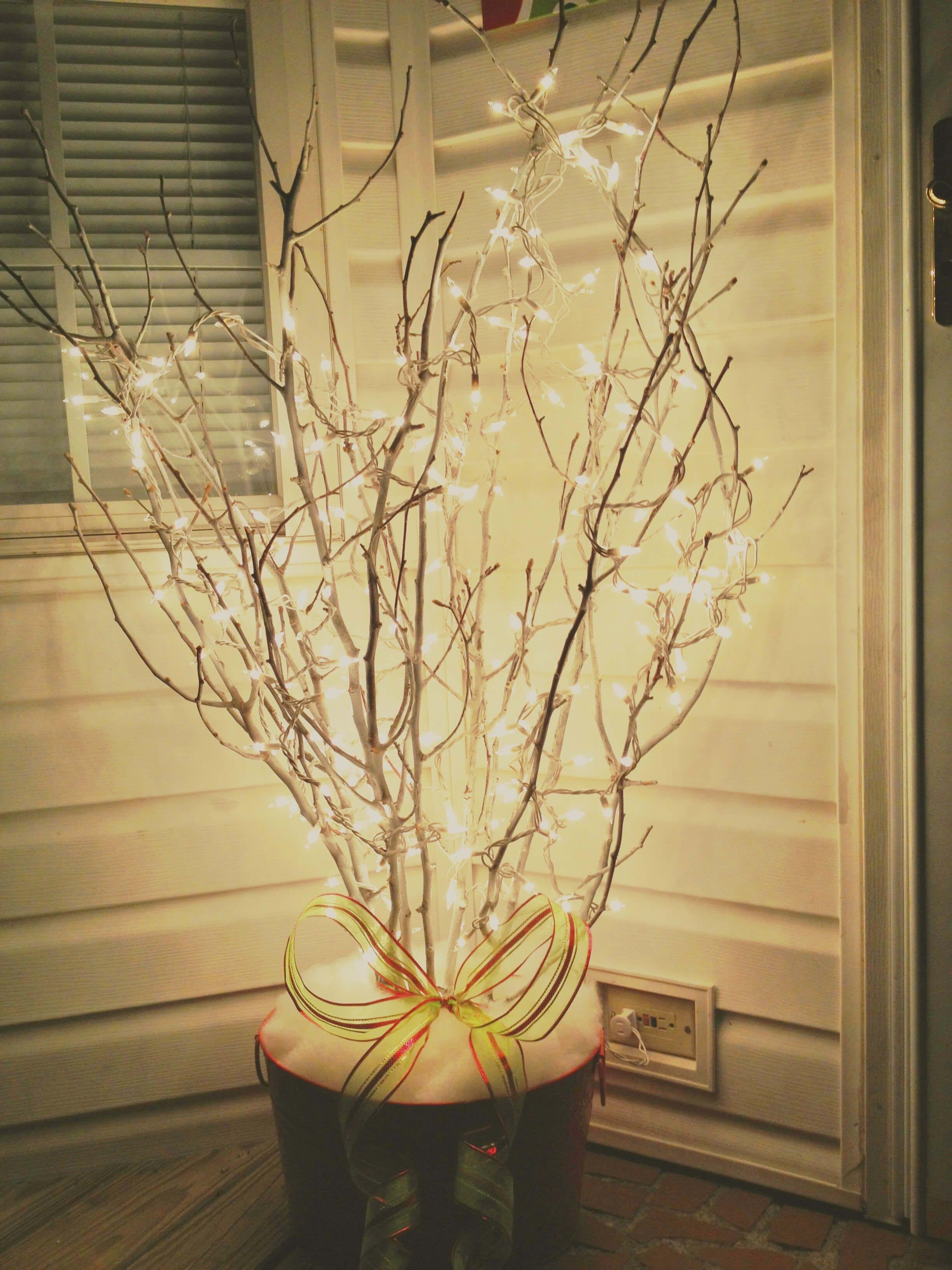 35 festliche outdoor urlaub pflanzer ideen um ihre veranda zu weihnachten zu dekorieren. Black Bedroom Furniture Sets. Home Design Ideas