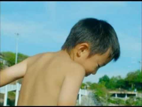 日本の子どもは セレナ育ち 2009日産セレナcm 飛び込み予告編 15sec 歌 ソカバン Youtube ソカ セレナ 日産 予告編