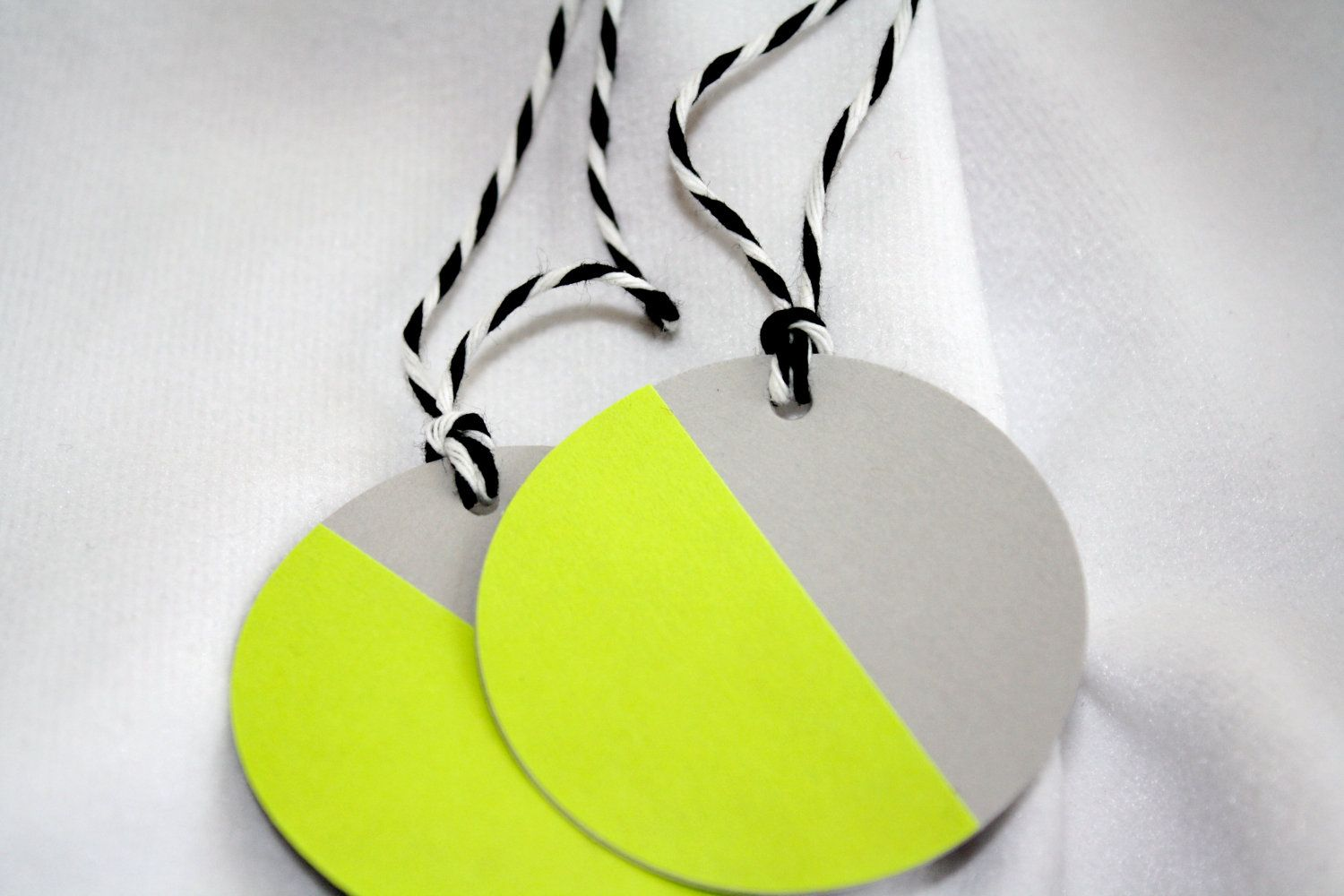 Round neon gray gift tags free shipping 600 via etsy round neon gray gift tags free shipping 600 via etsy negle Choice Image