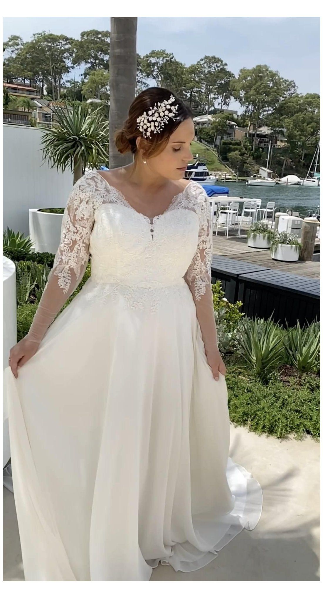 Lace Sleeve Plus Size Wedding Dress Dominique Aline Wedding Dr In 2021 Plus Size Wedding Dresses With Sleeves Plus Wedding Dresses Lace Wedding Dress With Sleeves [ 2034 x 1100 Pixel ]