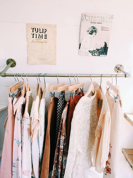 Kleiderstange An Der Wand Wohnung Pinterest Kleiderschrank