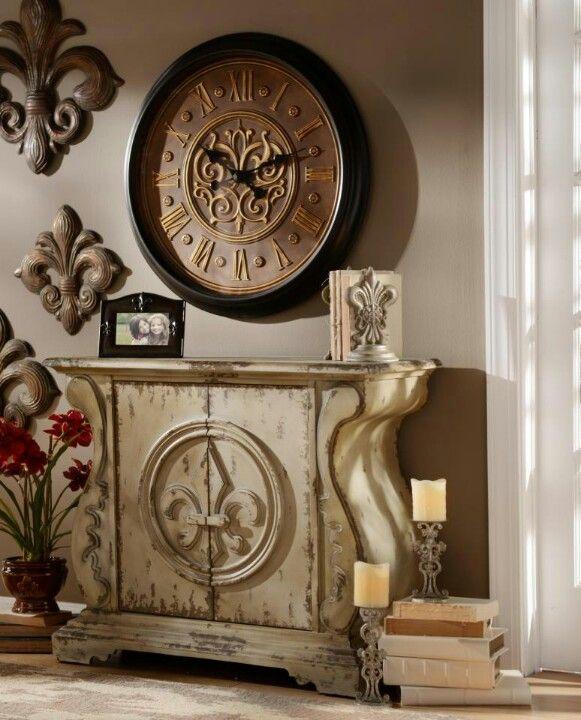 Home Decor Clearance: Kirklands......LOVE Fleur De Lis (sp?)