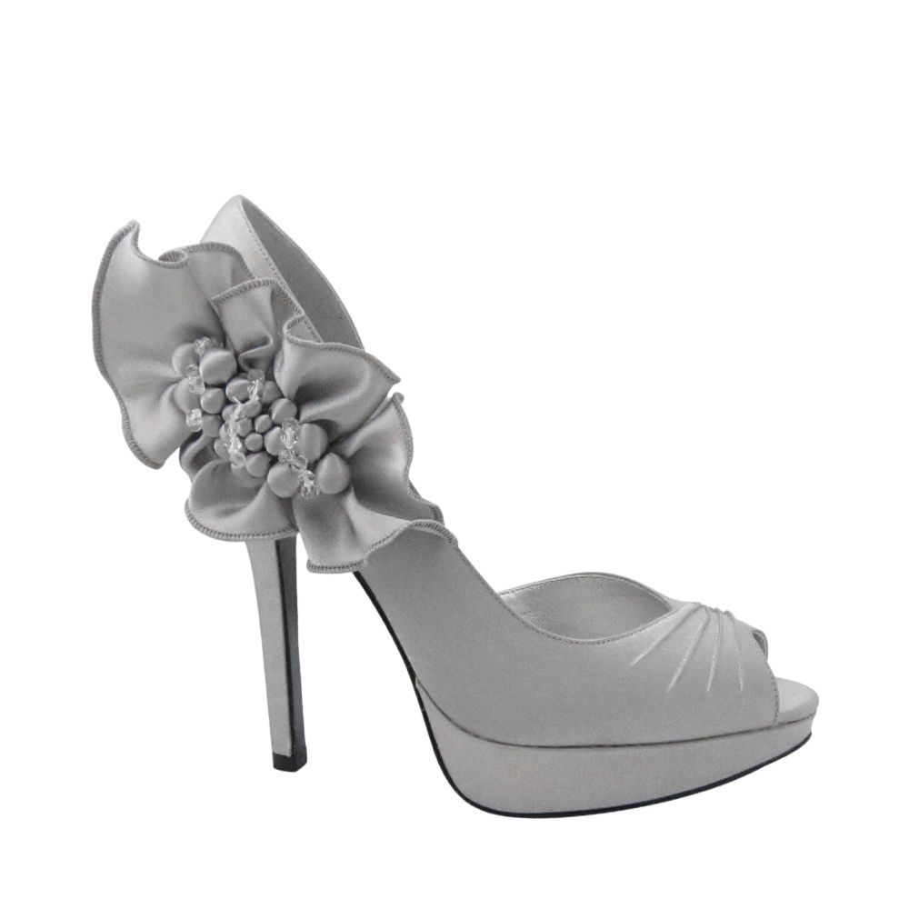 Gray floral pumps | Brides maid shoes, Silver wedding ...