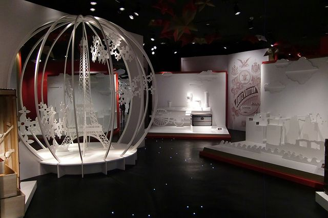 Tutte le dimensioni |Louis Vuitton Retrospective Exhibition, via Flickr.