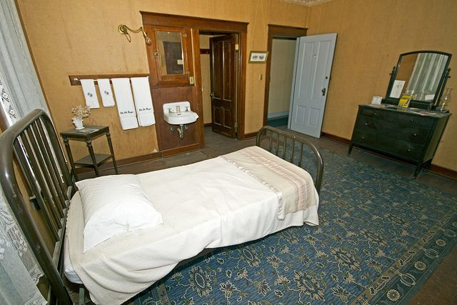 hotel room and amazing linoleum rug flickr mike schriber