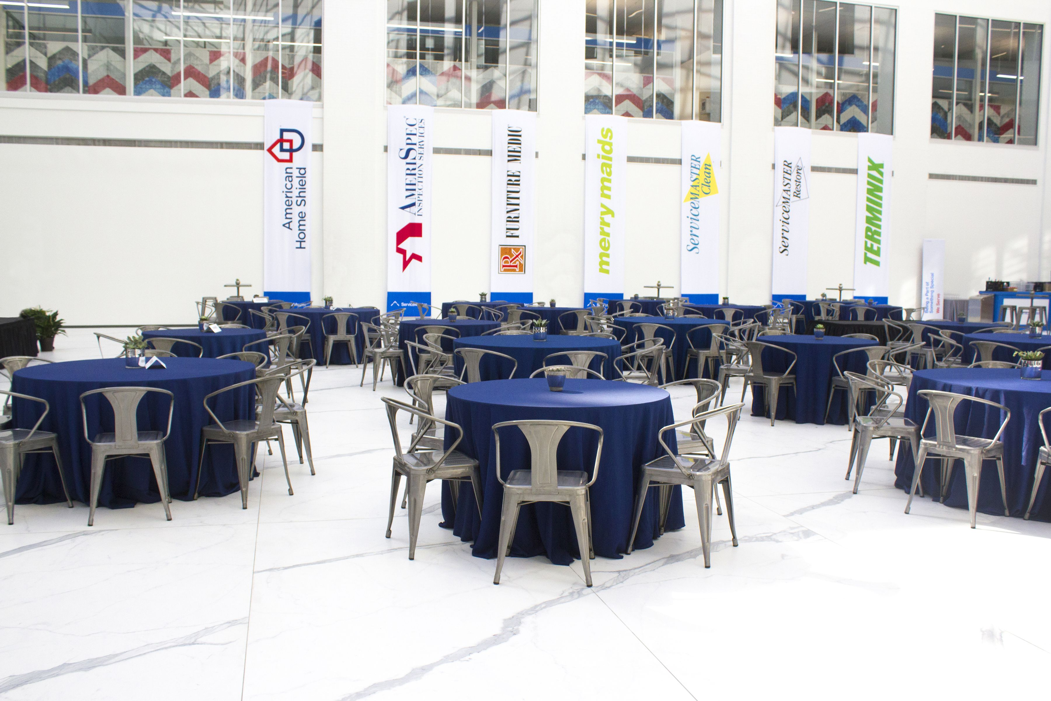 Memphis, TN Event In The ServiceMaster Atrium   Tablescapes By Holliday  Flowers U0026 Events
