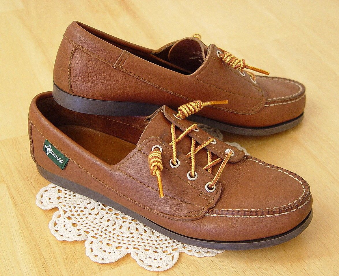 1736c6a8636 Vintage 80s Women s EASTLAND Leather Loafers. The