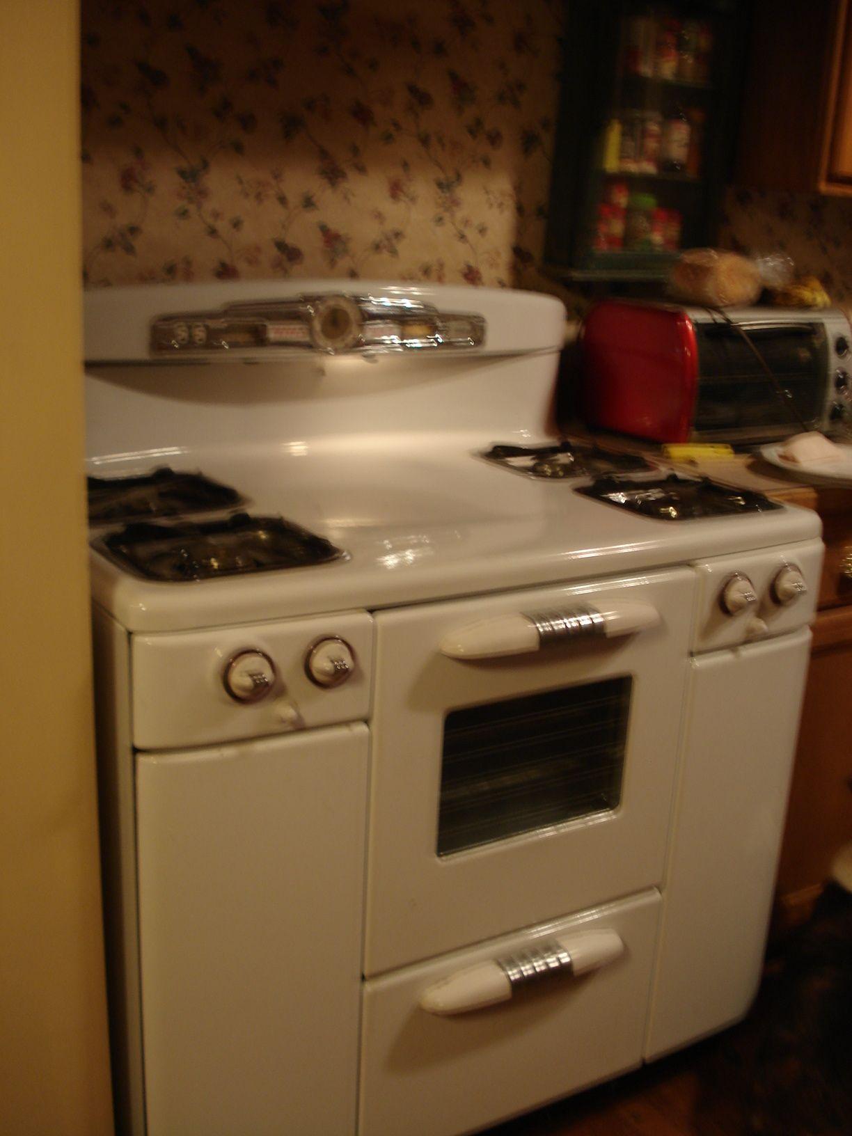 Tappan Deluxe Circa 1949 1953 Vintage Kitchen Appliances Kitchen Design Kitchen