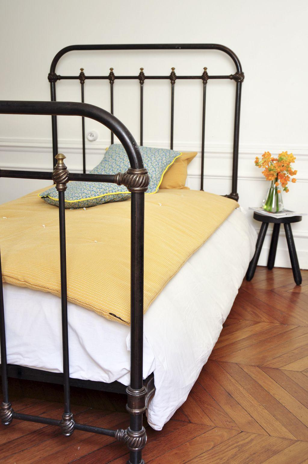 Deco Chambre Avec Lit En Fer lit ancien fer forgé - lit à barreaux - mobilier vintage