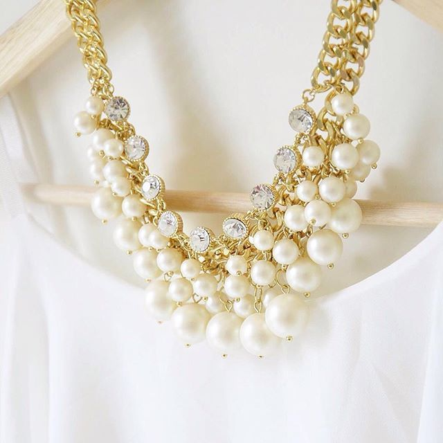 Pearl Blossom Statement Necklace #fashion #style #pearls #statementnecklace - 26,90  @happinessboutique.com