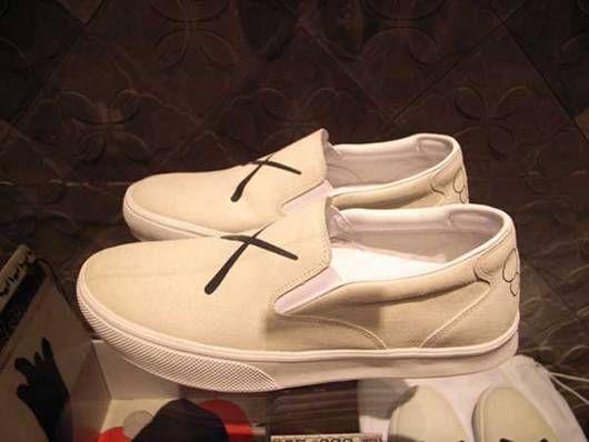 cheaper 2c1c8 d3989 visvim zahra x kaws white version
