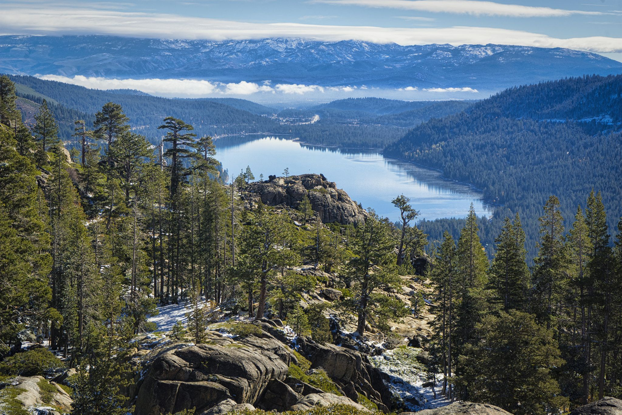 Donner Lake In Spring Donner Lake Over View From Top Of Donner Summit In Spring Donner Lake Nature Inspiration Lake