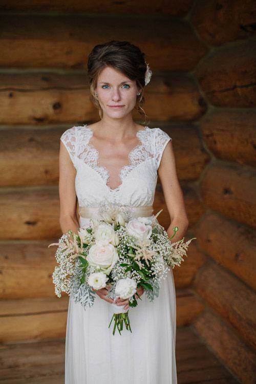Such a gorgeous bride! Vintage backyard farm wedding in South Dakota - photos by Bryan and Mae | via junebugweddings.com