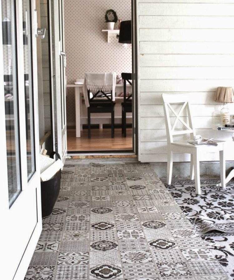 gemusterte fliesen in schwarz wei f r flur und terrasse. Black Bedroom Furniture Sets. Home Design Ideas