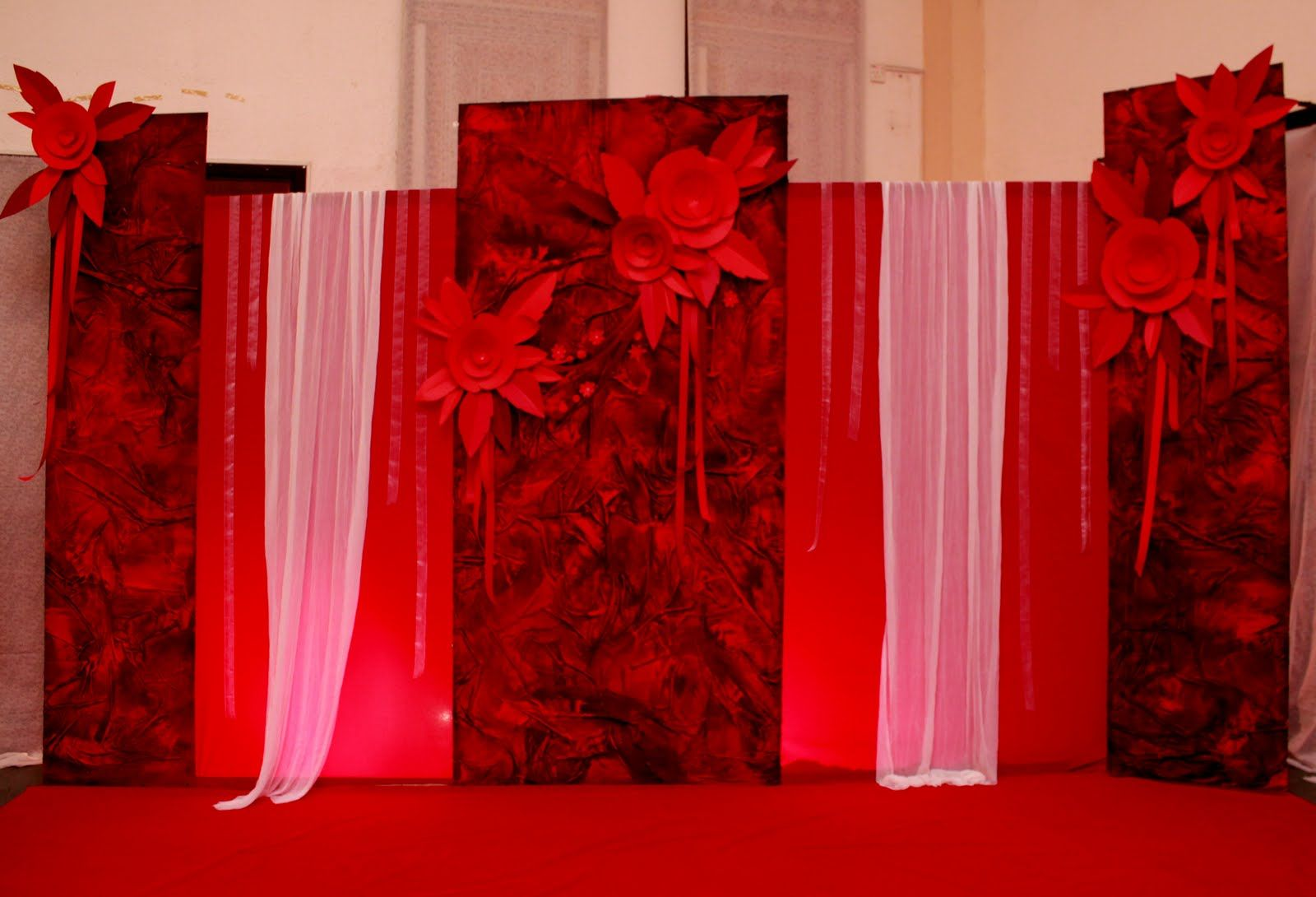 Creative wedding black white backdrops red n black for Background curtain decoration