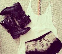 Inspiring picture clothes, outfit. Resolution: 306x306. Find the picture to your taste!