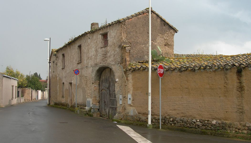 Case Di Mattoni Di Fango : Sa domu de ladiri sono le case in mattoni di fango e paglia che
