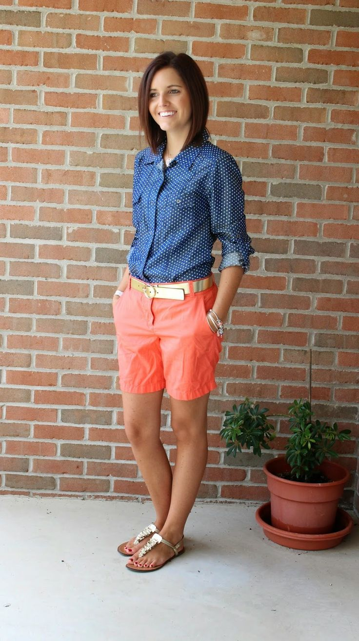 how to wear blue denim short in style