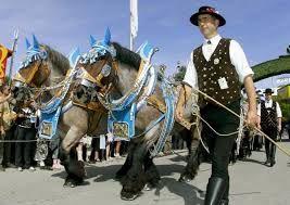 El tradicional desfile del Oktoberfest