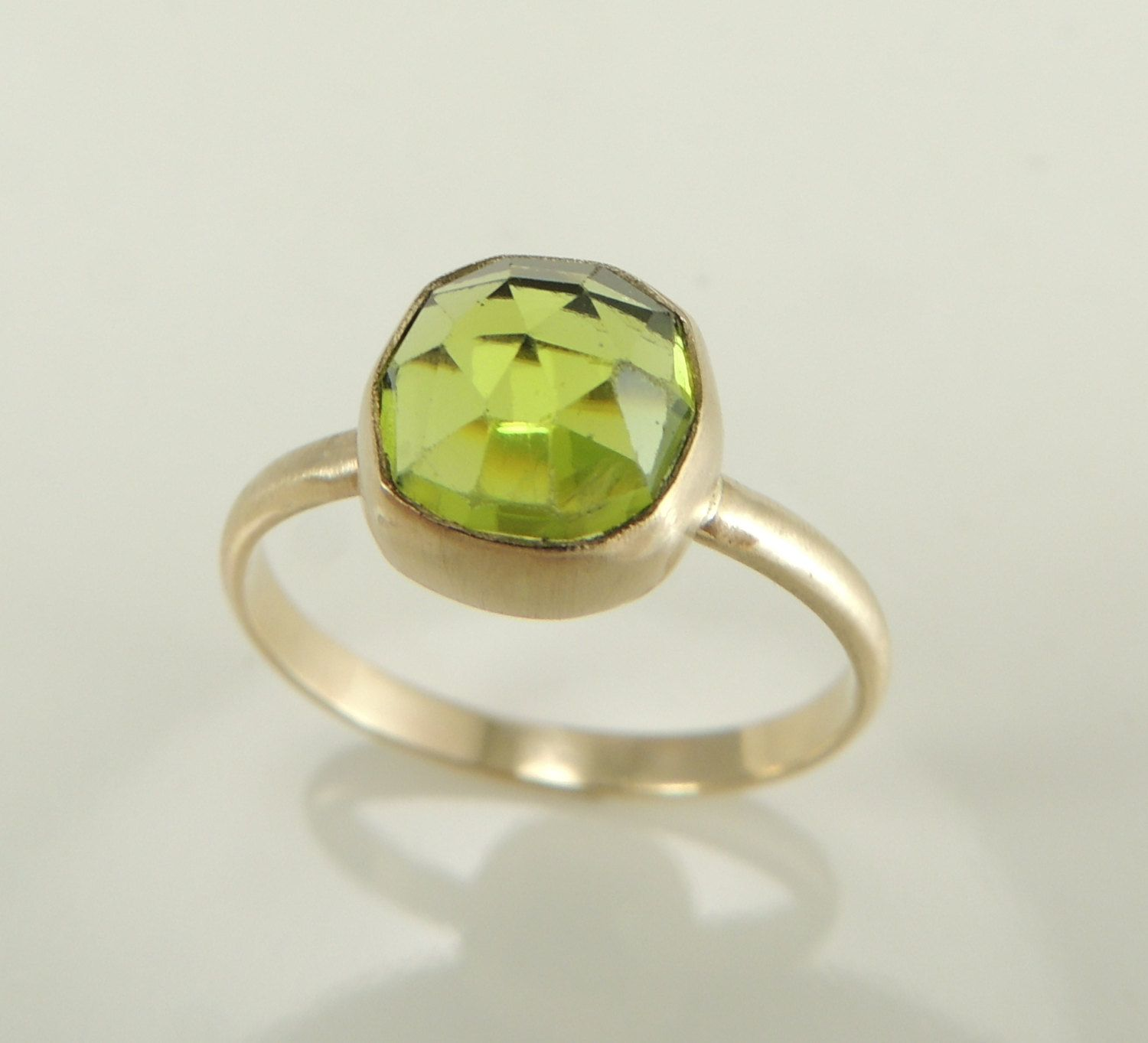 jewelry aquarian cut rosecut august peridot ring rings rose thoughts birthstone engagement products gemstone