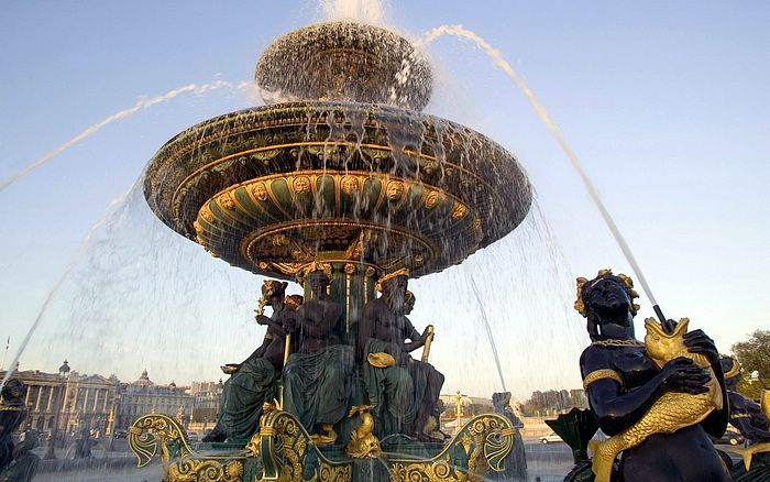 fountain on the place de la concorde paris france wallcoo travel