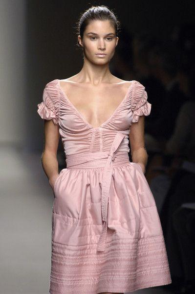 "Bottega Veneta Spring 2007 ✮✮""Feel free to share on Pinterest"" ♥ღ www.fashionandclothingblog.com"