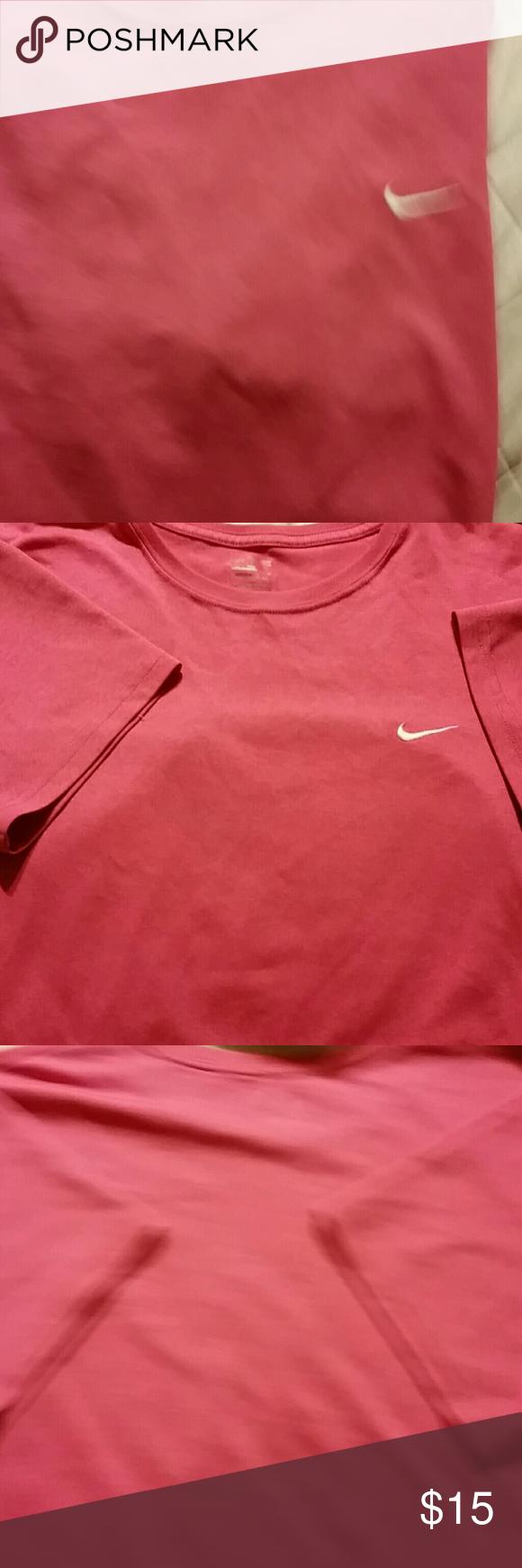 Women's Nike short sleeve shirt Pink great condition Nike short sleeve shirt Nike Tops Tees - Short Sleeve