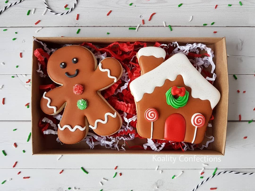 ICED GINGERBREAD MEN Craft Buttons 1ST CLASS POST Food Cookie Biscuit Christmas